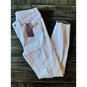 White Distressed Frayed Hem Ankle Skinny Jeans NWT